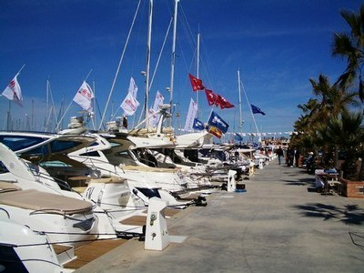 http://www.topbarcos.com/revista/200902/ii_jornadas_nauticas_marina_denia/foto2a_normal